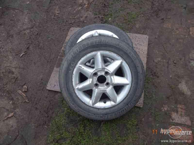 Prodam alu disky+ letní pneu Bridgestone 165/70 R13