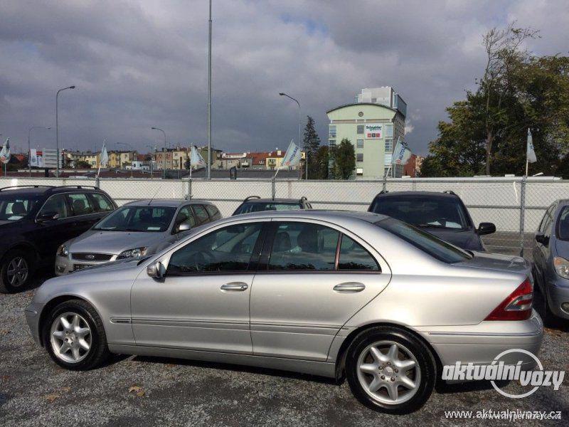 Mercedes-Benz Třídy C 2.0, nafta, r.v. 2001 - foto 10