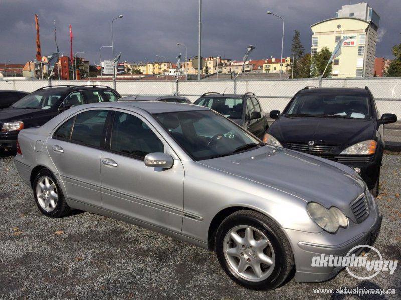 Mercedes-Benz Třídy C 2.0, nafta, r.v. 2001 - foto 11