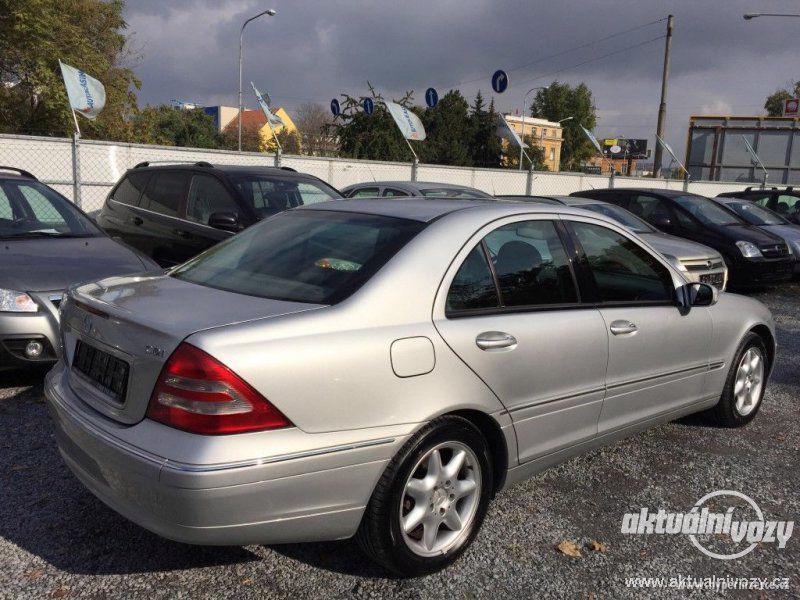 Mercedes-Benz Třídy C 2.0, nafta, r.v. 2001 - foto 12