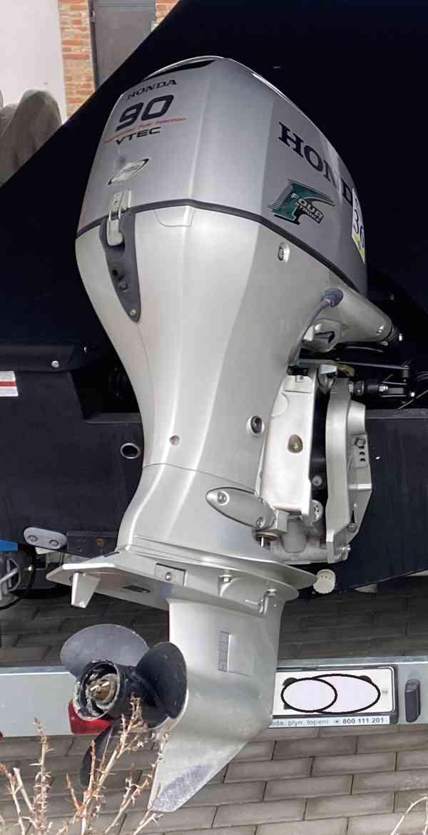 Prodám lodní motor Honda 90 HP - foto 3