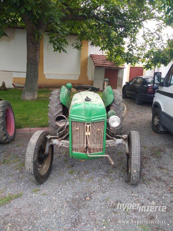 Prodám traktor Ford 1940 - foto 3