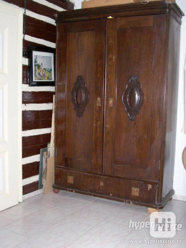Prvorepublikový starožitný nábytek. - foto 5
