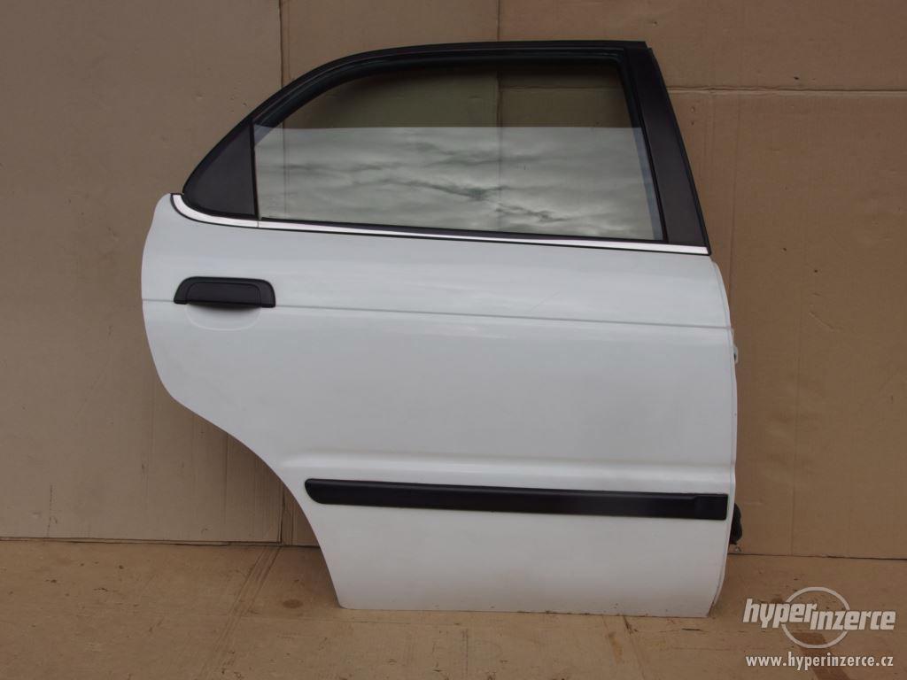 Pravé zadní dveře Suzuki Baleno combi - foto 1