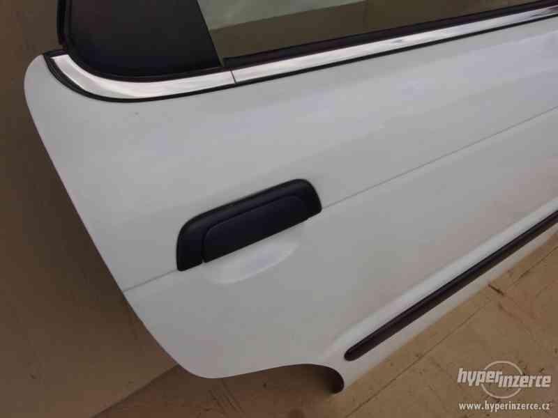 Pravé zadní dveře Suzuki Baleno combi - foto 2