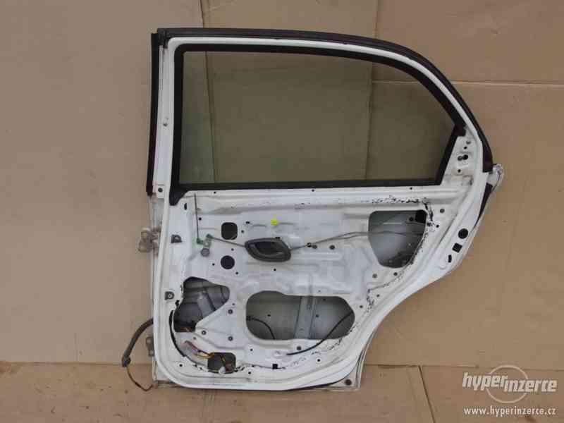 Pravé zadní dveře Suzuki Baleno combi - foto 7