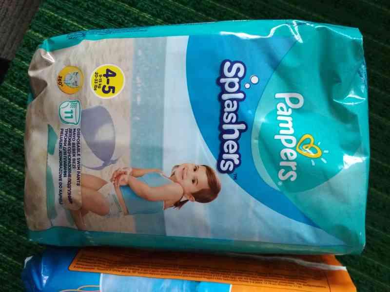 Pampers Splashers Plekové kalhotky do vody 4-5 (9-15 kg) 11