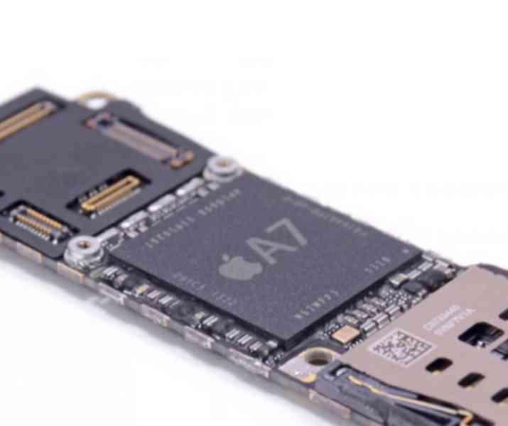 • PROFESIONÁLNÍ OPRAVA základních desek iPhone, iPad, Mac •