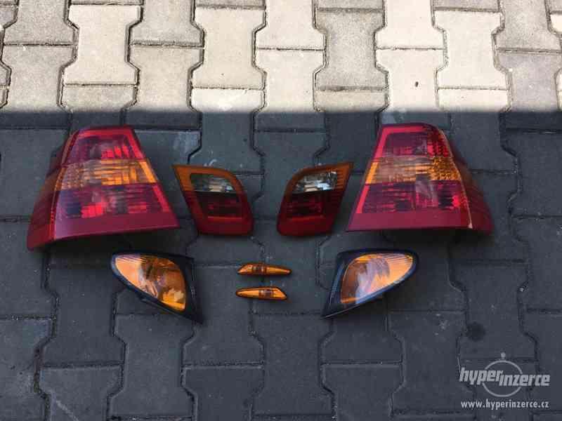 BMW e46 lci zadní světla vnitřní vnější přední blinkry lampy