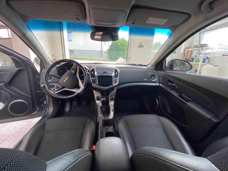 Chevrolet cruze LTZ 2.0 VCDi 120kw  - foto 6