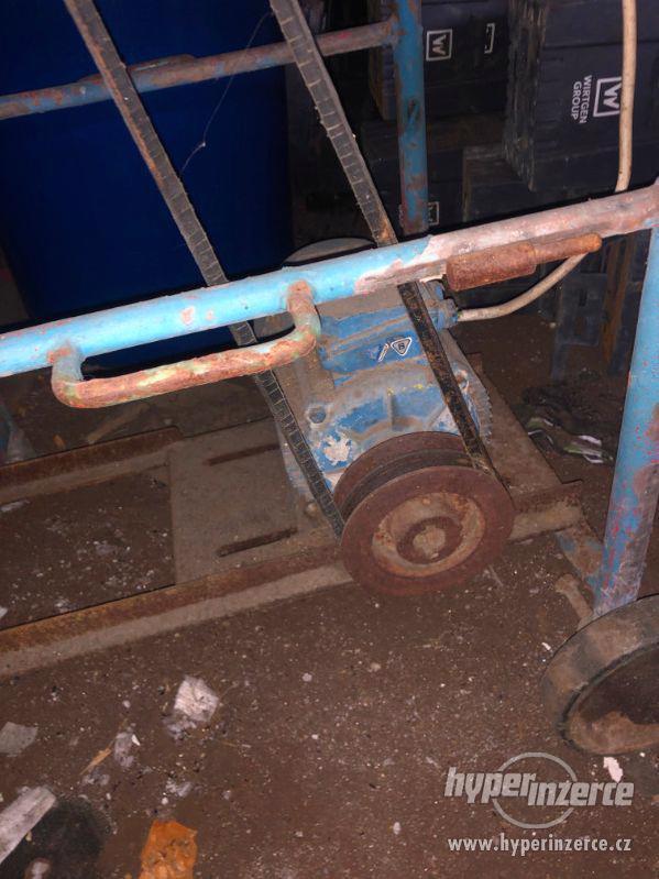 Pila na dřevo - cirkulárka k opravení - foto 3