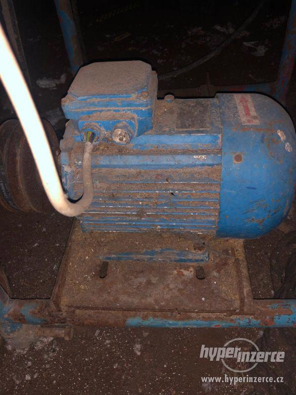 Pila na dřevo - cirkulárka k opravení - foto 6