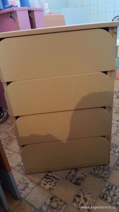 Skřínka do dětského pokojíčku - foto 1