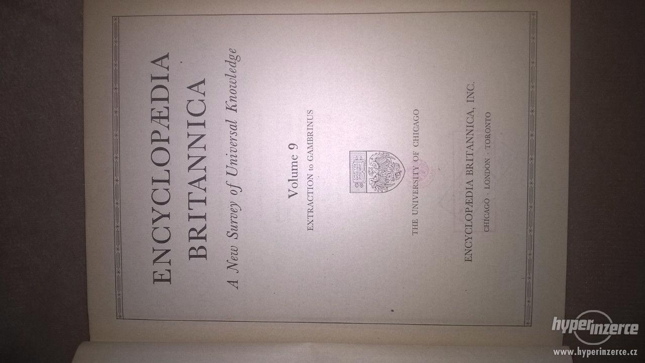 Prodám 24ti sv. Encyclopaedii Britannicu - foto 1