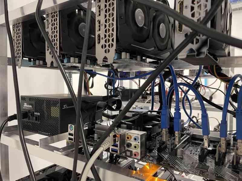 RX 5700 XT Gigabyte/Sapphire - Rig 6X GPU - foto 4