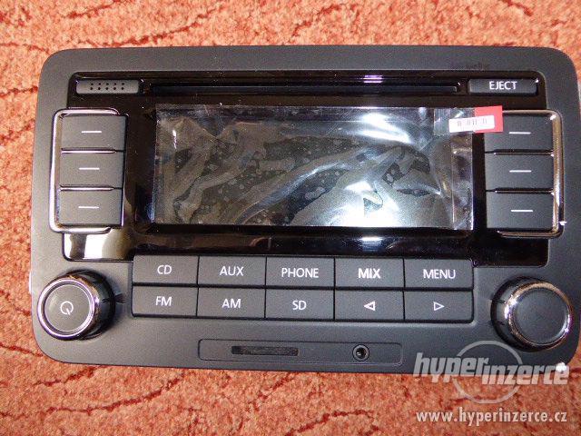 RCN210 autorádio s Bluetooth Nové originál ŠKODA VW SD MP3