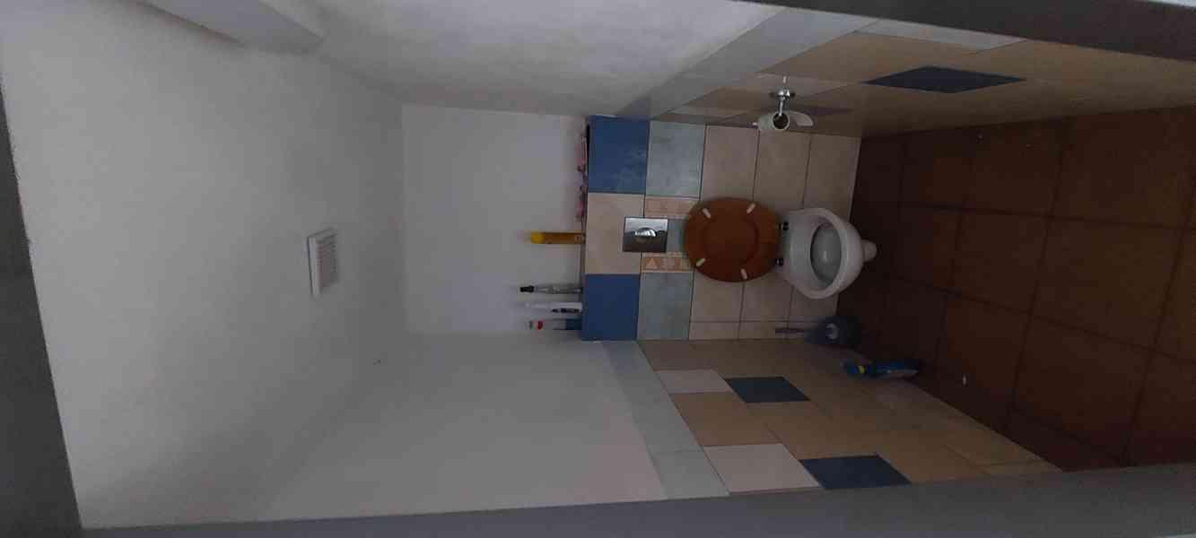 Pronájem nebytového prostoru, 140 m², parkování - foto 8