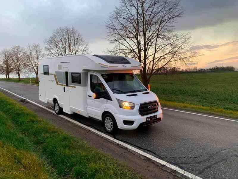 Pronajmu karavan - FORD (2021) Nový - foto 14