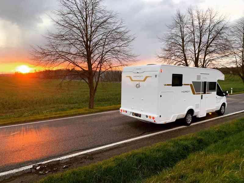 Pronajmu karavan - FORD (2021) Nový - foto 13