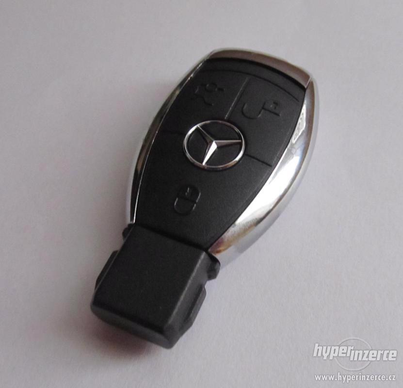 USB flash Mercedes-Benz - 16 GB (okamžité odeslání) - foto 1