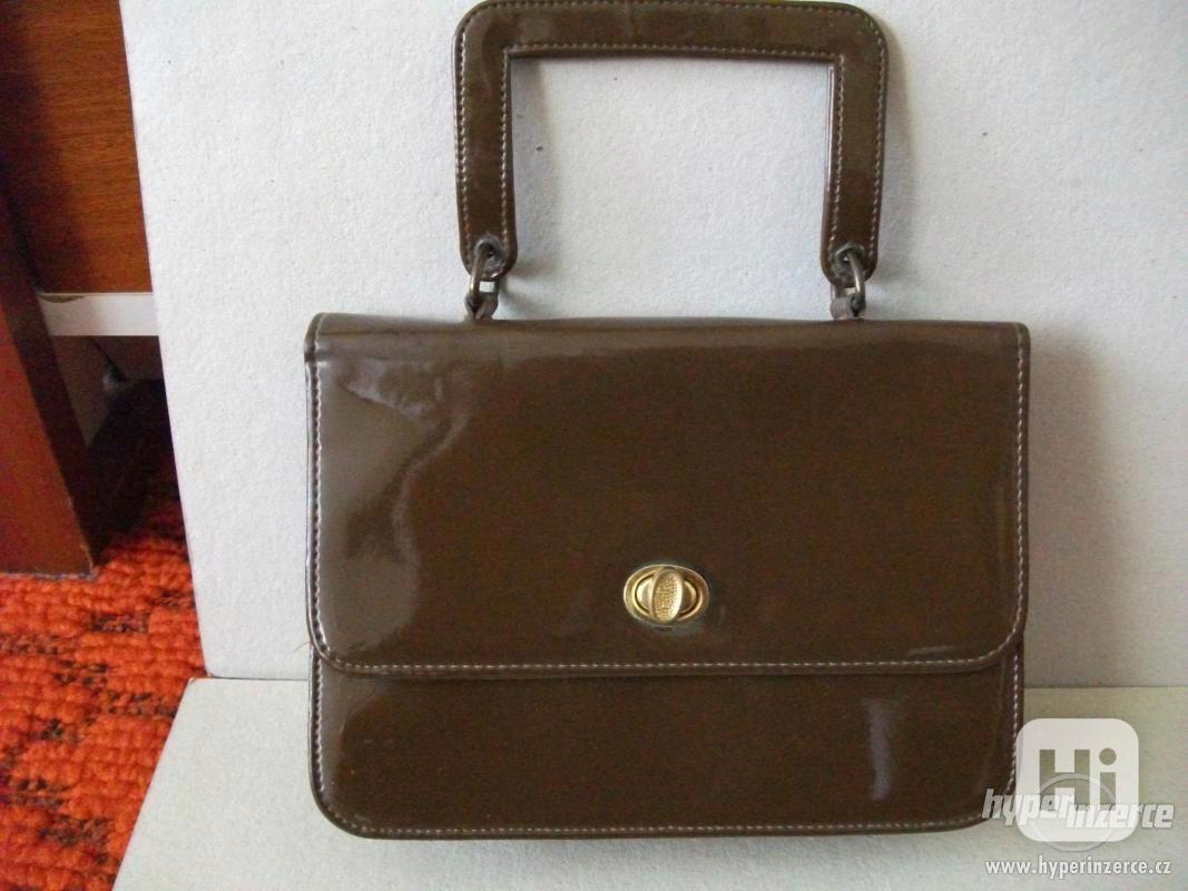 Dámská kabelka lakovaná + pásky - foto 1