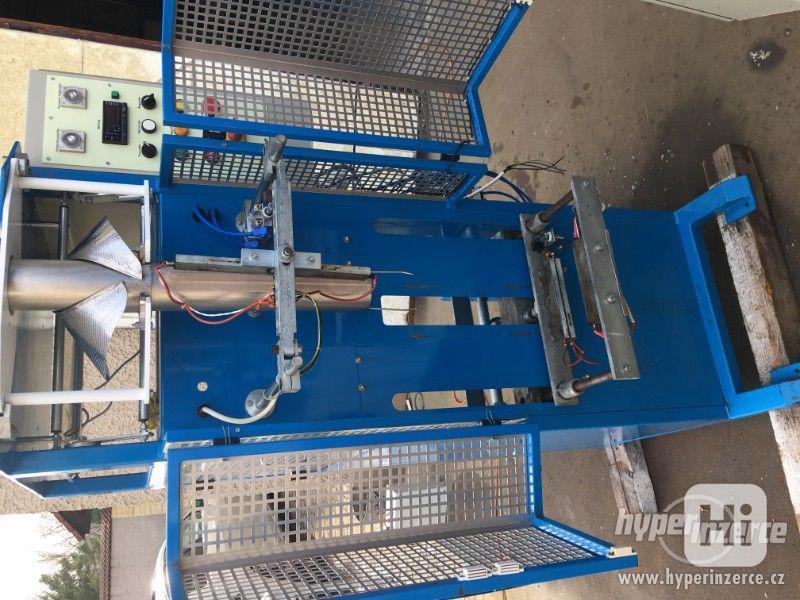 Vertikální balicí stroj HU 21