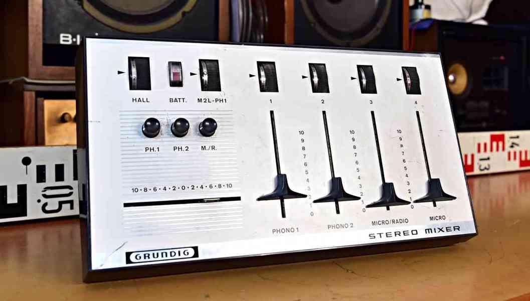 GRUNDIG STEREO MIXER 422 - hall efekt - mixážní pult