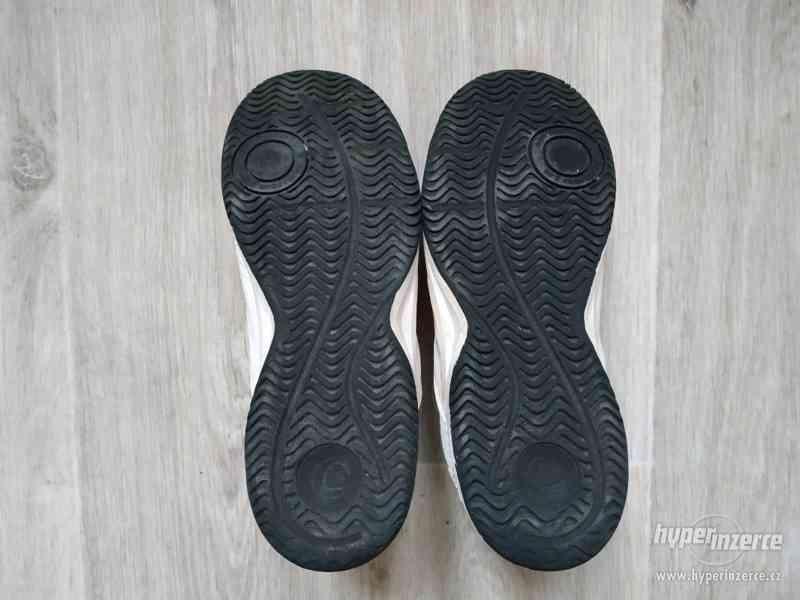 Dívčí sálová obuv vel.35 - foto 3