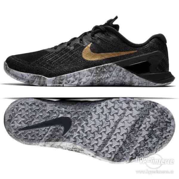 Dámské boty Nike černo zlaté vel. 40