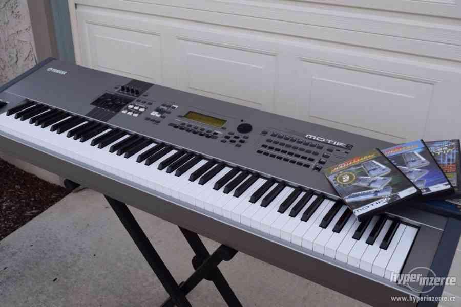 2x CDJ-2000 Nexus, 1x Yamaha Tyros 4/ 5 Keyboard synthesizer - foto 2