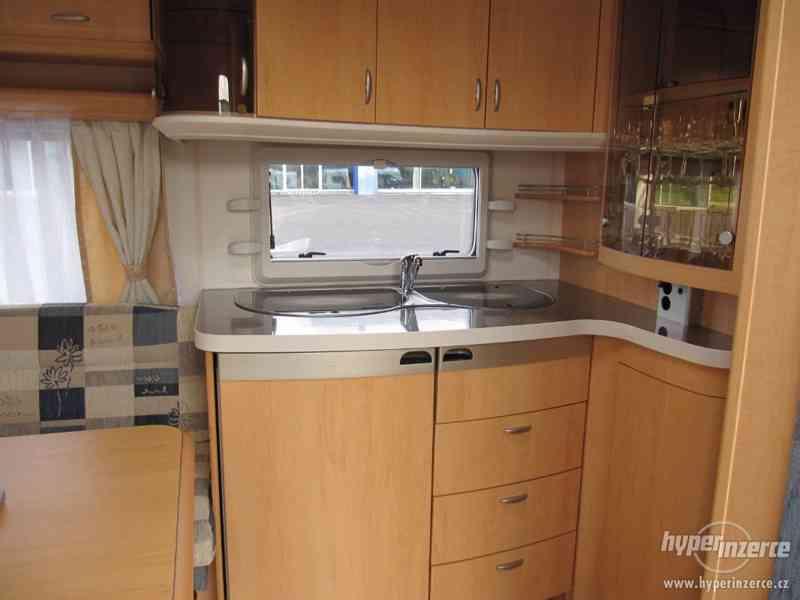 Prodám karavan Hobby 460 ufe,model 2008 + klima + před stan. - foto 8