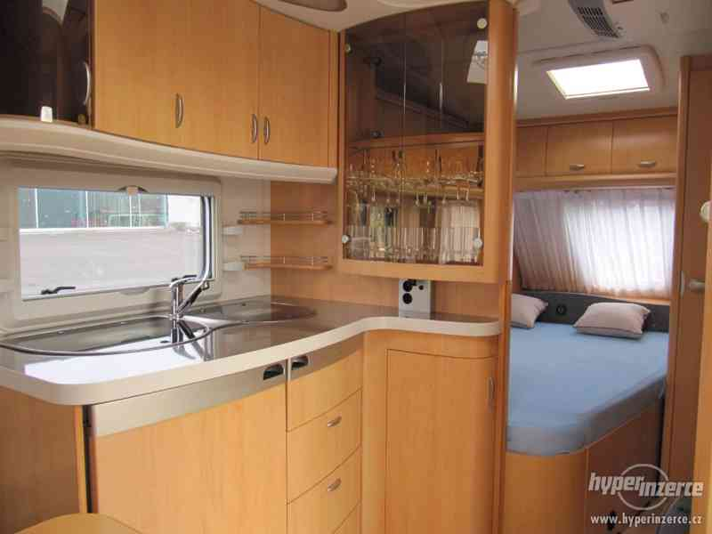 Prodám karavan Hobby 460 ufe,model 2008 + klima + před stan. - foto 9