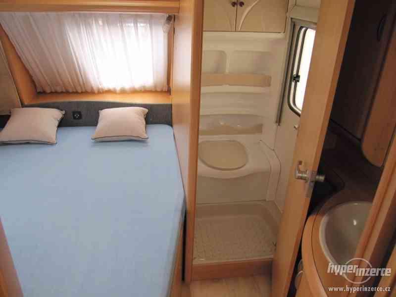 Prodám karavan Hobby 460 ufe,model 2008 + klima + před stan. - foto 12