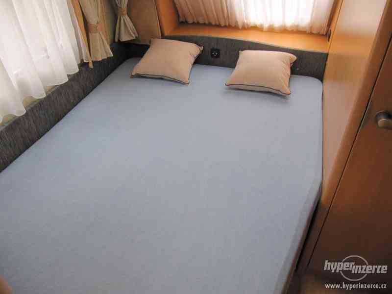 Prodám karavan Hobby 460 ufe,model 2008 + klima + před stan. - foto 13