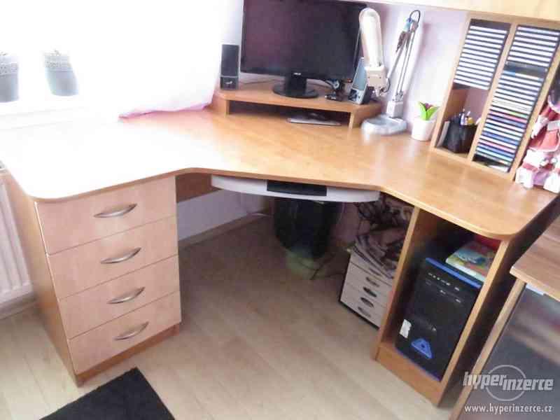 Psací stůl rohový a skříň - foto 3