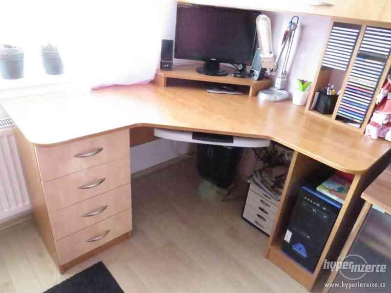Psací stůl rohový a skříň - foto 4