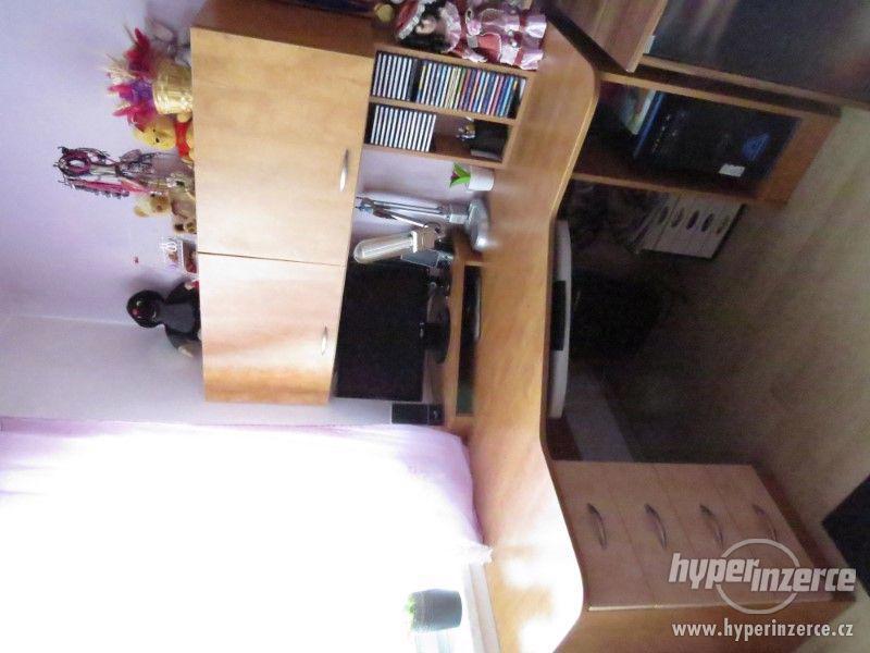 Psací stůl rohový a skříň - foto 6