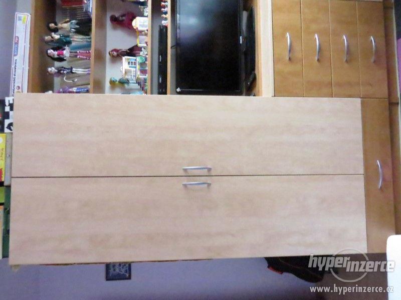 Psací stůl rohový a skříň - foto 10