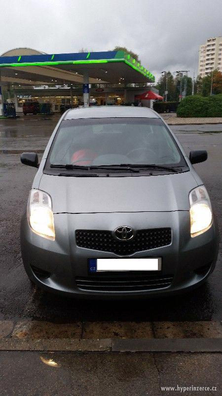 Toyota Yaris 1.0, ČR, klima, park. senz.