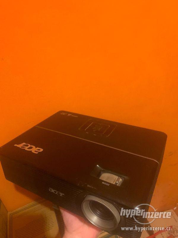 P1100 acer , Nobo platno, stropni drzak - foto 4