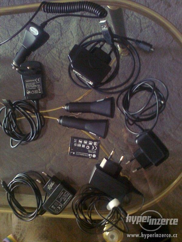 Prodám různé nabiječky na mobil - foto 1