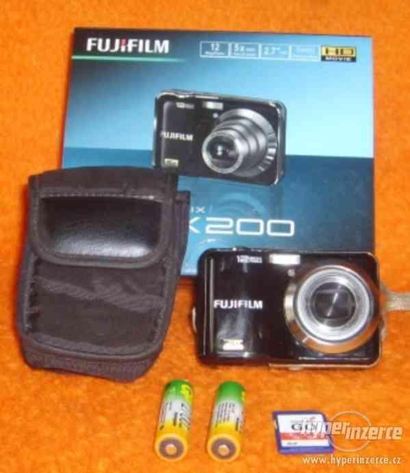 Fujifilm FinePix AX200 - foto 2