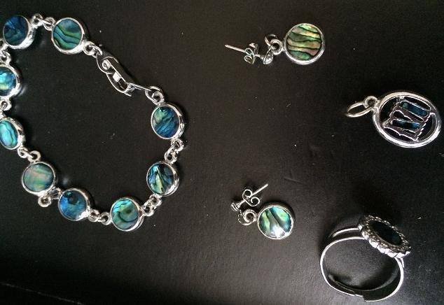 Stříbrná sada šperků s perletí