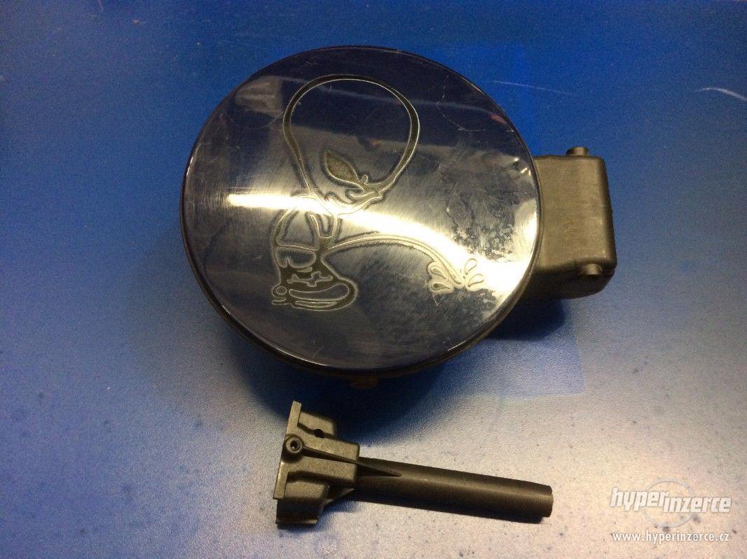 víčko nádrže VW Passat 3B5 - mei: 3b0809857 - foto 1