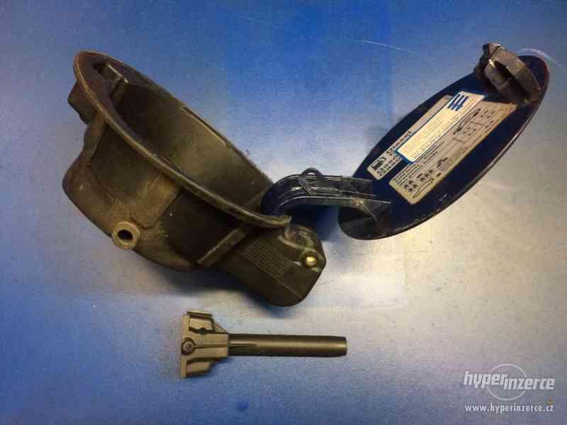 víčko nádrže VW Passat 3B5 - mei: 3b0809857 - foto 3
