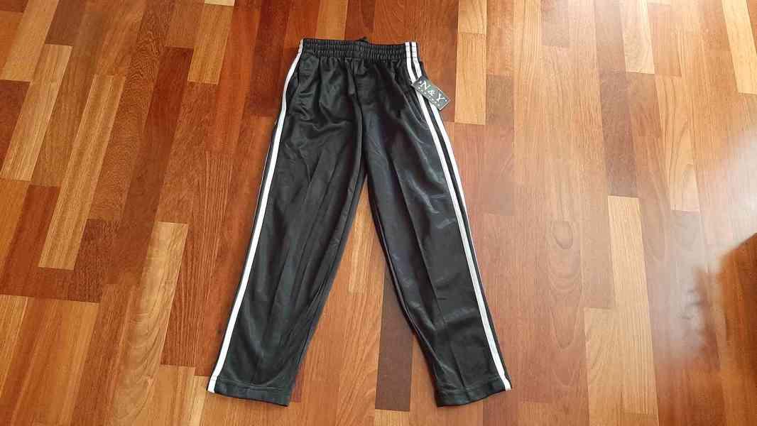 Sportovní kalhoty vel.128 NOVÉ - foto 1