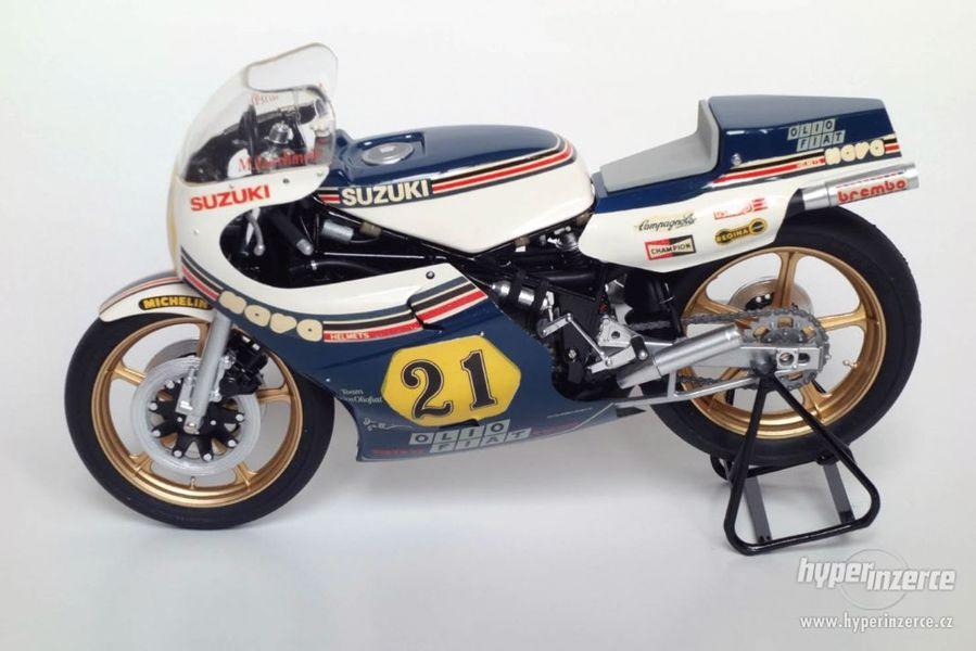 model motocyklu Suzuki RGB 500 Team Gallina 1983