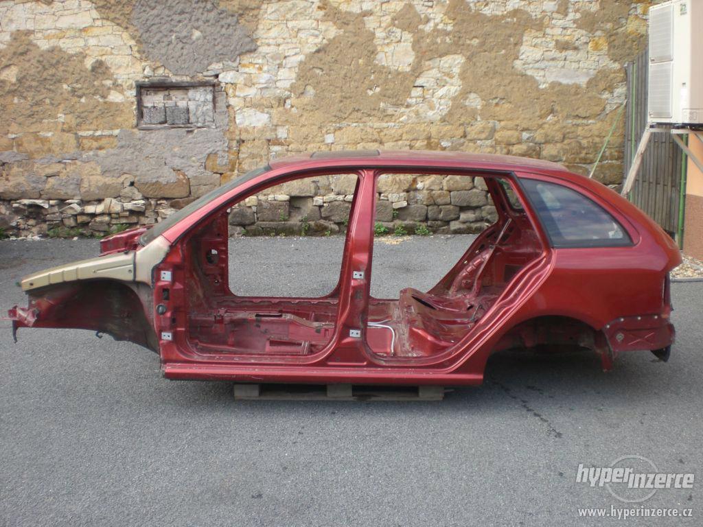 Karoserie Škoda Fabia 1.4/16V, r.v. 2001 s německými doklady - foto 1