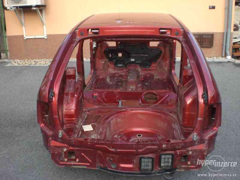 Karoserie Škoda Fabia 1.4/16V, r.v. 2001 s německými doklady - foto 4
