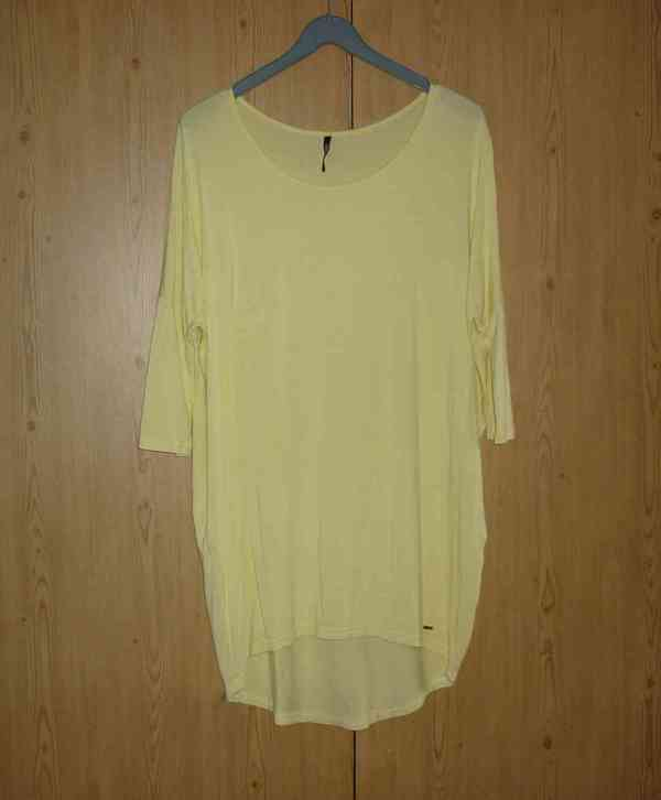 Vanilkově žlutá tunika / šaty Answear - foto 2